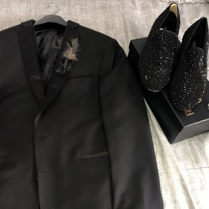 Other - Prom tux BUNDLE DEAL with accessories!!